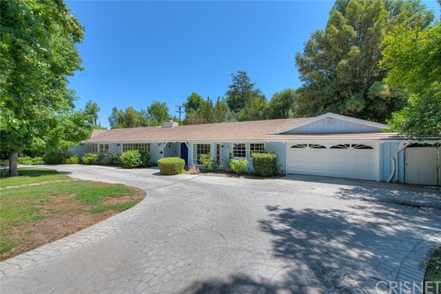 4950 Winnetka Avenue, Woodland Hills, CA 91364