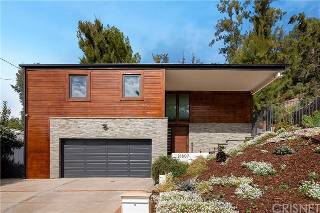 21807 Lopez Street, Woodland Hills, CA 91364