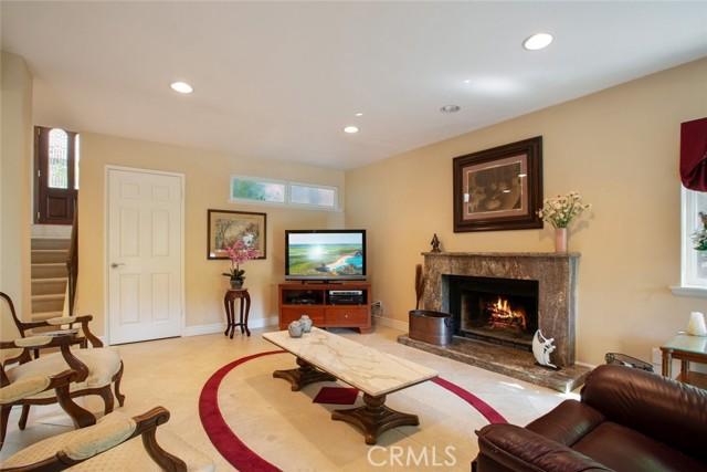 5. 694 N Valley Drive Westlake Village, CA 91362