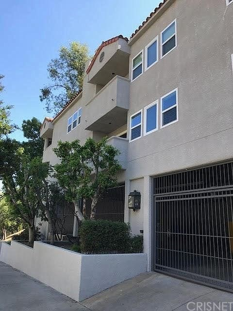 3420 Barham Blvd #3, Los Angeles, CA 90068
