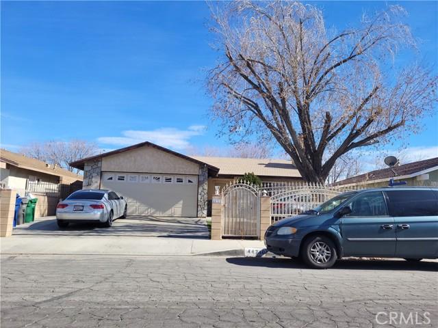 44710 Sarah Lane, Lancaster, California 93535, 3 Bedrooms Bedrooms, ,2 BathroomsBathrooms,Single Family Residence,For Sale,Sarah,SR21023599
