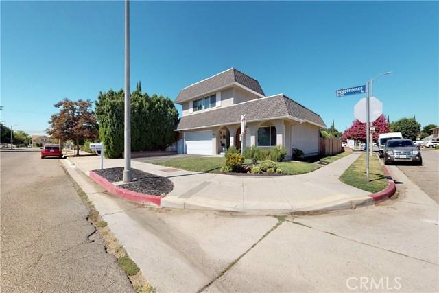 8421 Independence Avenue, Canoga Park, CA 91304