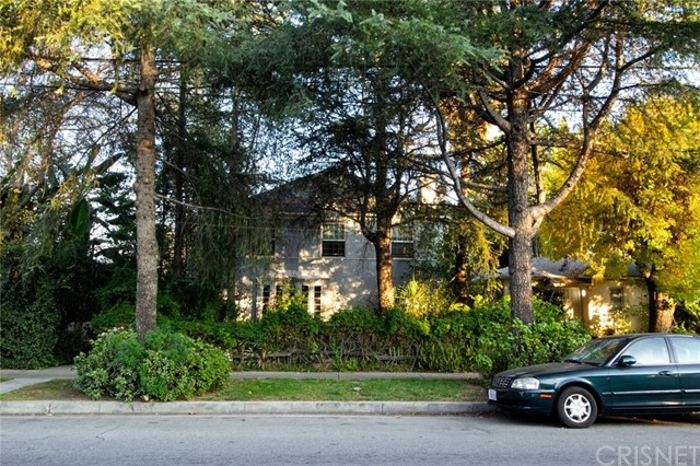 4372 Cahuenga Boulevard, Toluca Lake, CA 91602