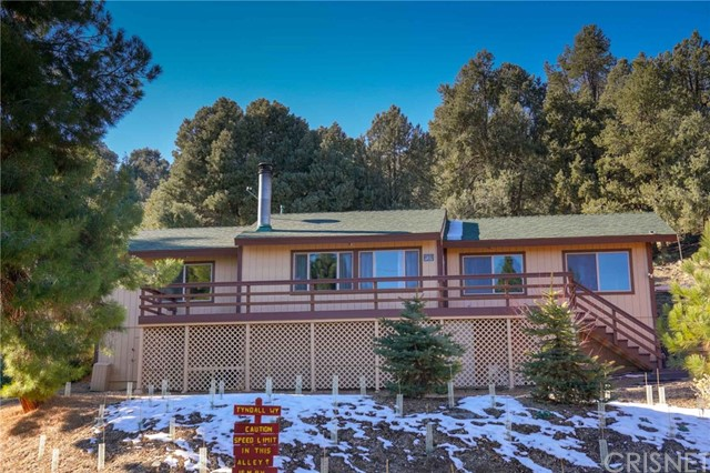 2413 Oakwood Court, Pine Mtn Club, CA 93322
