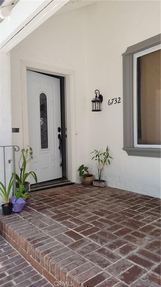 6732     Sylmar Avenue, Van Nuys CA 91405