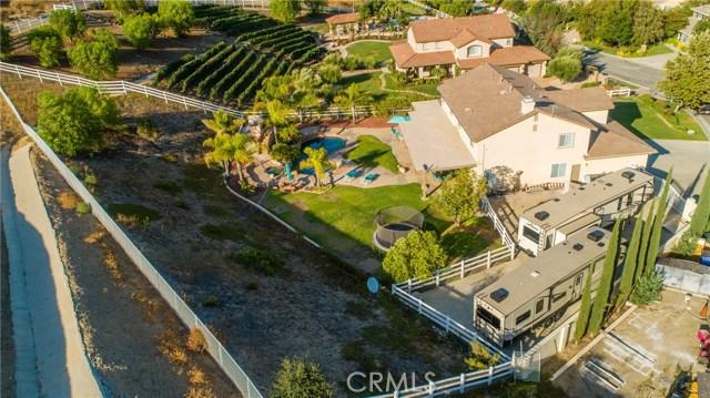 30015 Valley Glen St, Castaic, CA 91384 Photo 5
