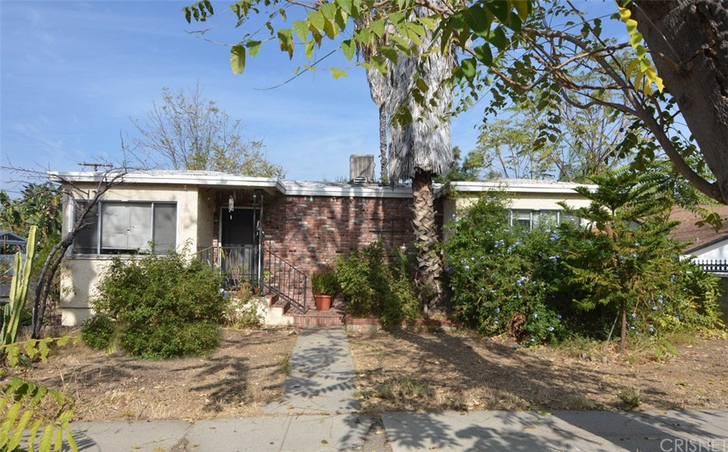 Photo of 22559 CLARENDON Street, Woodland Hills, CA 91367
