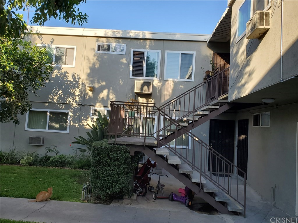 Photo of 7131 COLDWATER CANYON AVENUE #15, North Hollywood, CA 91605