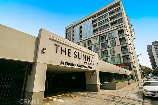 Summit on 6th Condominiums
