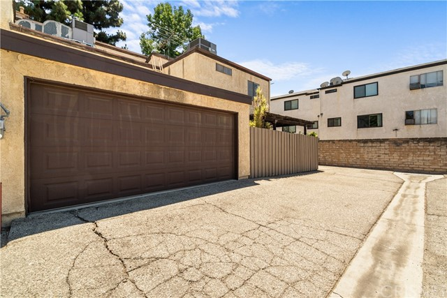 19. 9600 Sepulveda Boulevard #12 North Hills, CA 91343