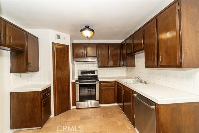 Photo of 18619 Collins Street #F16, Tarzana, CA 91356