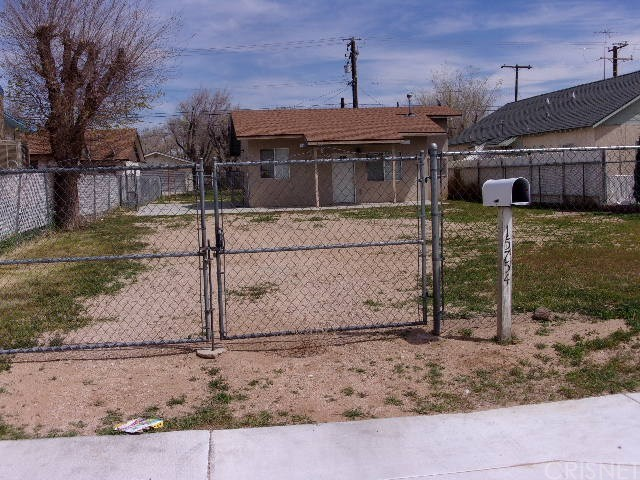 15754 M Street, Mojave, CA 93501