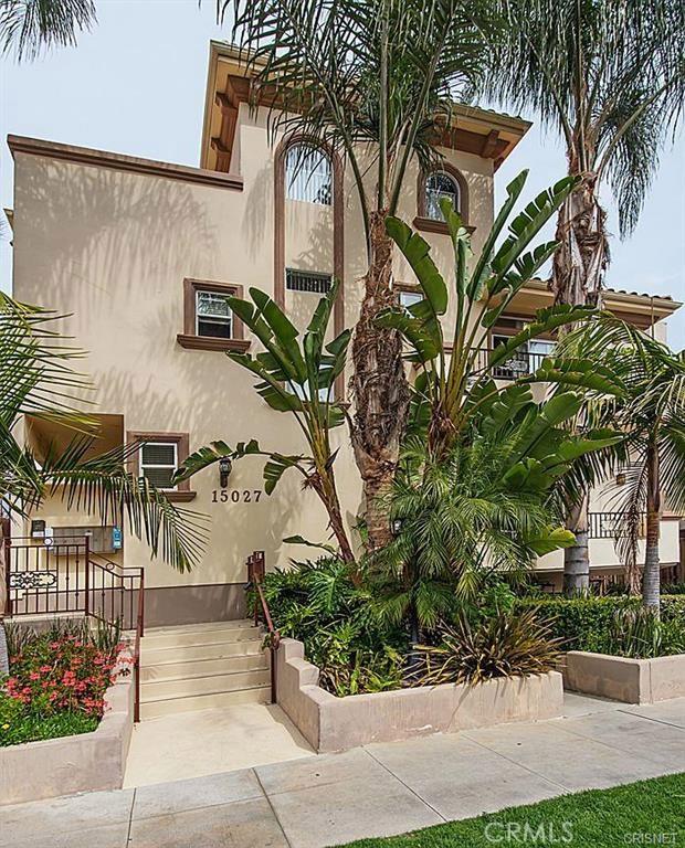 15027 Dickens Street 1, Sherman Oaks, CA 91403