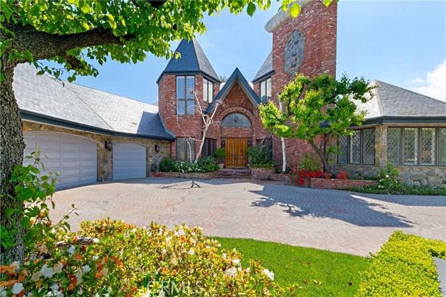 20700 Wells Drive, Woodland Hills, CA 91364