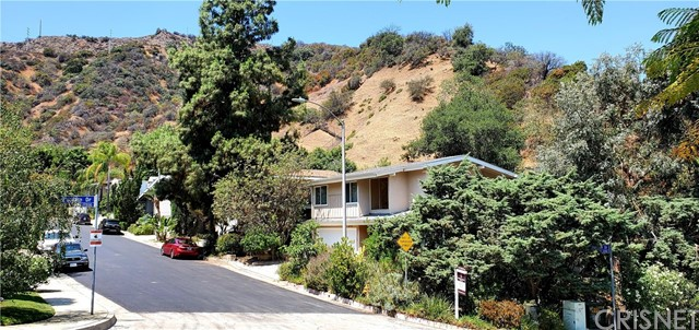 3463 Standish Drive, Encino, CA 91436