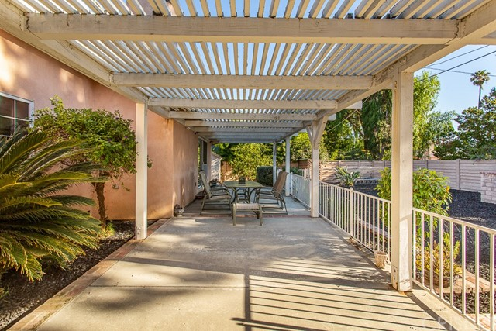 8981 White Oak Av, Sherwood Forest, CA 91325 Photo 30