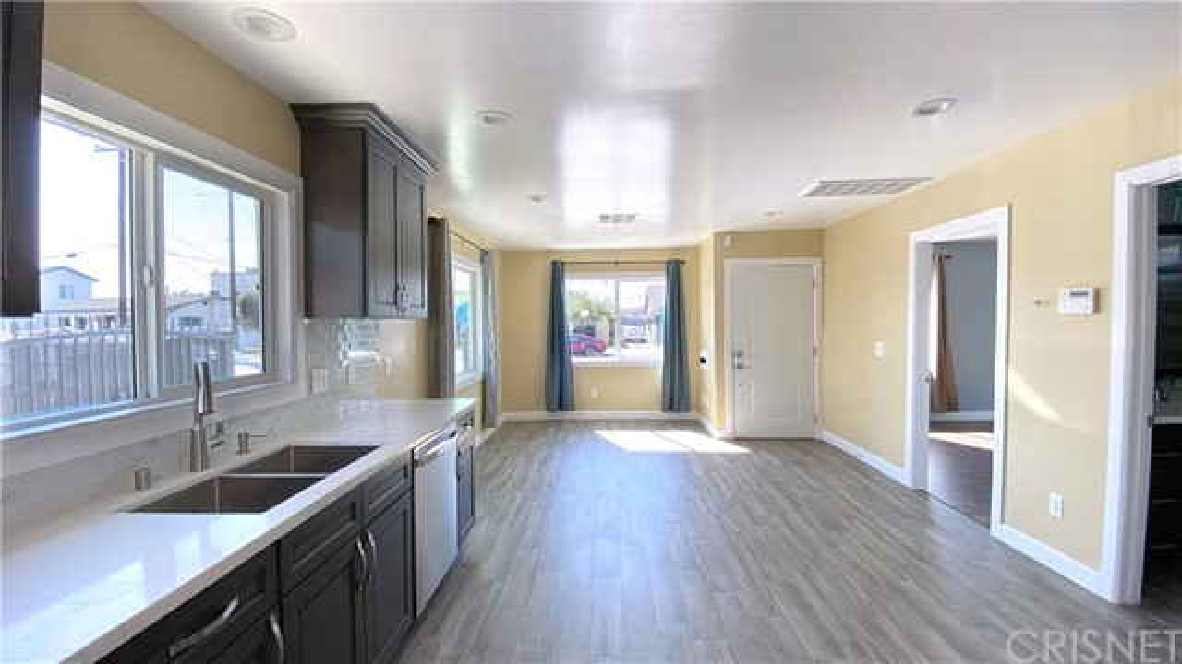 825 W Gage Av, Los Angeles, CA 90044 Photo