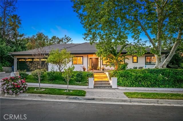 Photo of 23731 Clarendon Street, Woodland Hills, CA 91367