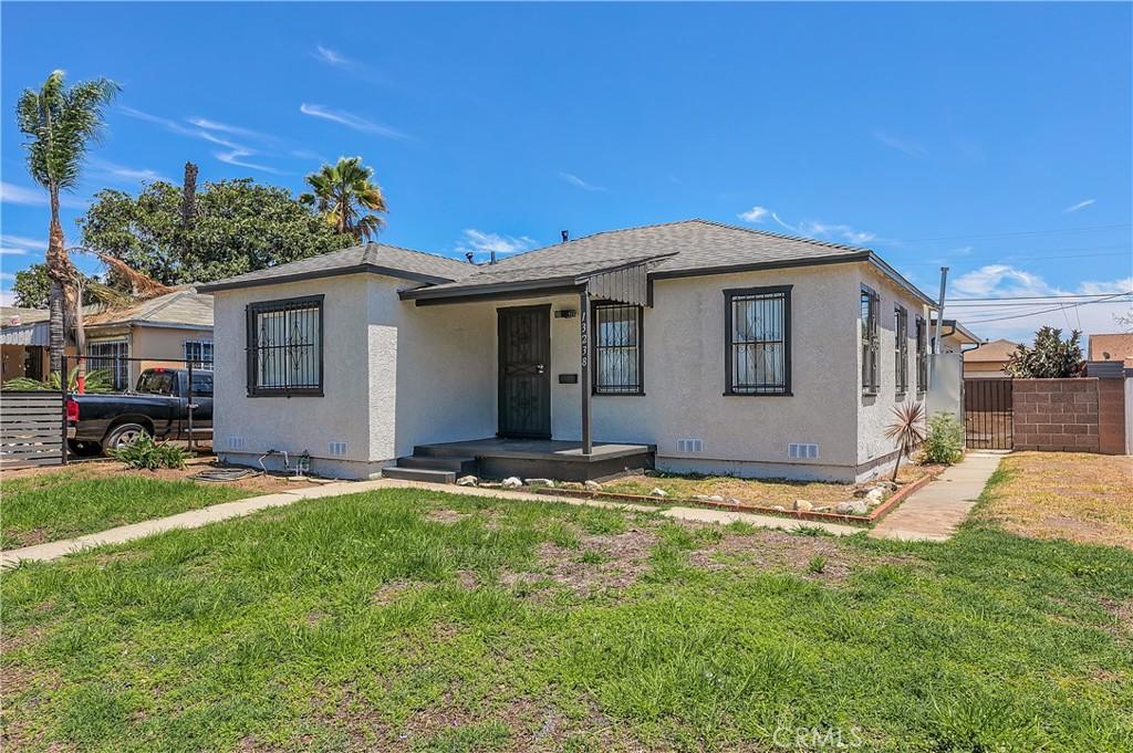 13238   S San Pedro Street, Los Angeles CA 90061
