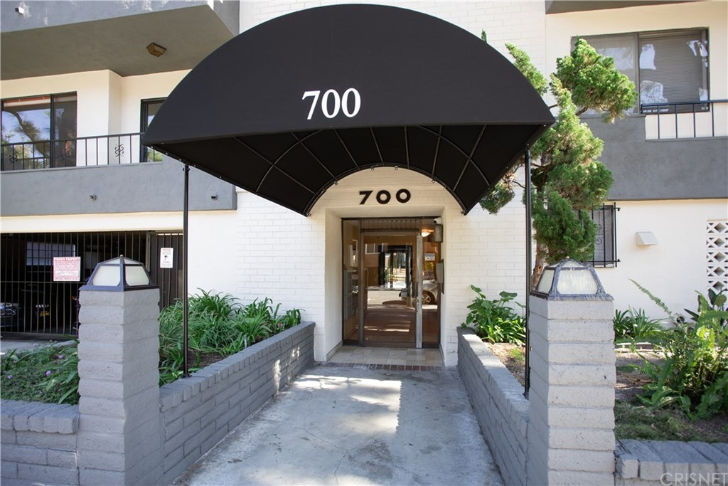 Photo of 700 WESTMOUNT Drive #109, West Hollywood, CA 90069