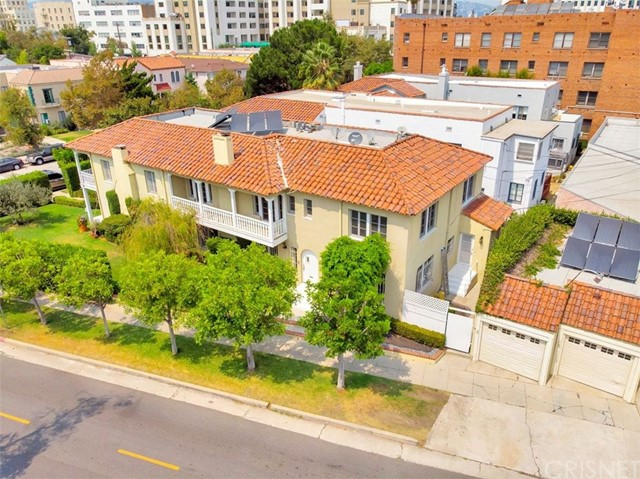 Photo of 750 S Mansfield Avenue, Los Angeles, CA 90036