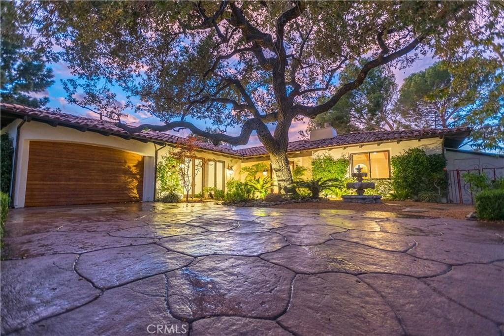 Photo of 949 EL SEGUNDO Drive, Thousand Oaks, CA 91362
