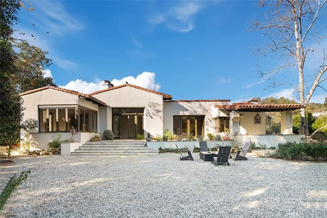 Photo of 25732 Vista Verde Drive, Calabasas, CA 91302