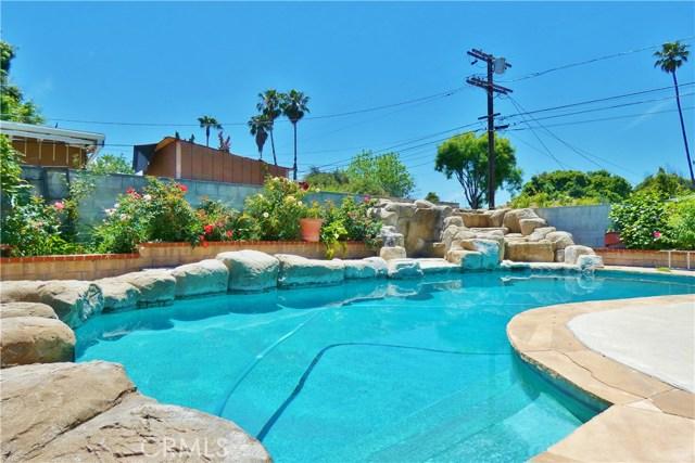 7729 Lindley Avenue, Reseda, CA 91335