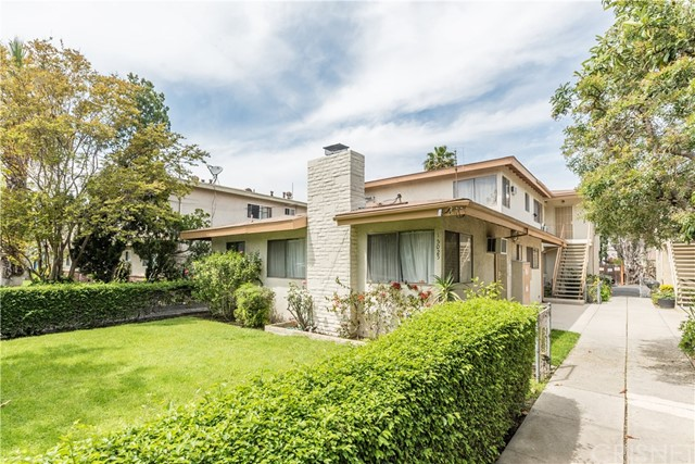 15025 Burbank Boulevard, Sherman Oaks, CA 91411