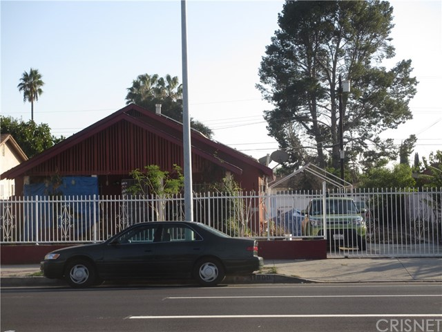 11900 Saticoy Street, North Hollywood, CA 91605