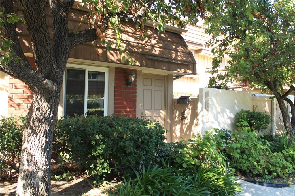Photo of 10218 LARWIN AVENUE #3, Chatsworth, CA 91311