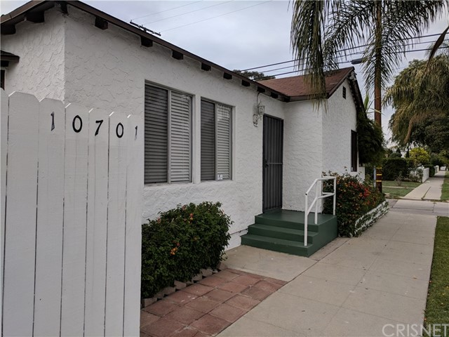 10701 Burbank Boulevard, North Hollywood, CA 91601
