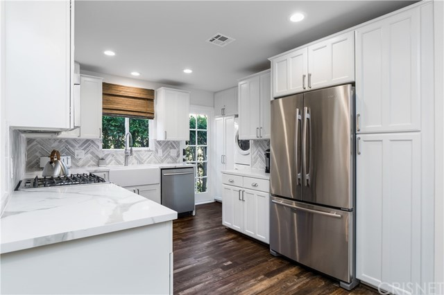 Image 10 of 816 N Mansfield Ave, Hollywood, CA 90038