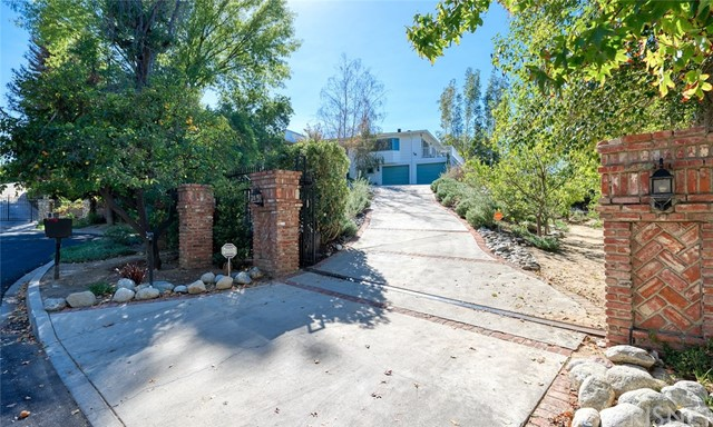 4747 Ronmar Place, Woodland Hills, CA 91364