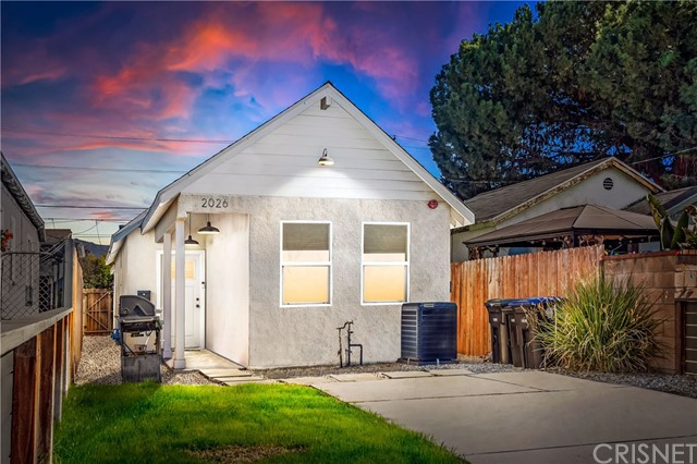2026 N Buena Vista Street, Burbank, CA 91504