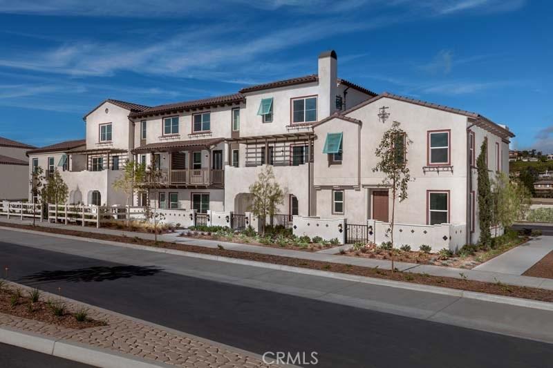 Photo of 327 TOWNSITE PROMENADE, Camarillo, CA 93010