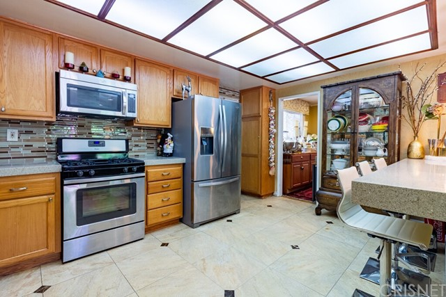 25. 2446 Gayle Place Simi Valley, CA 93065
