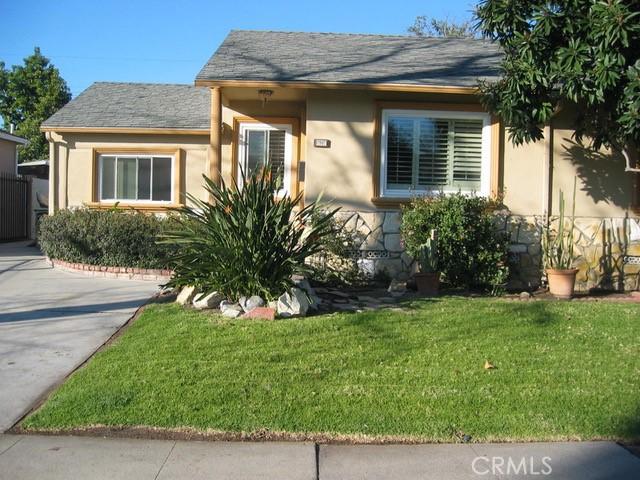 Photo of 17907 Emelita Street, Encino, CA 91316
