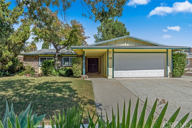 256 Kanan Road, Oak Park, CA 91377