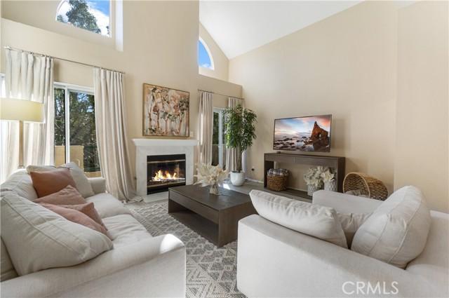 14347 Albers Street 301, Sherman Oaks, CA 91401