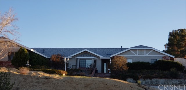 15648 Cypress Point Avenue, Llano, CA 93544