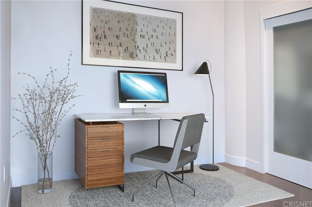 Second bedroom/Office (virtual staging)