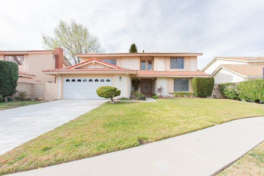 Photo of 10637 Willowbrae Avenue, Chatsworth, CA 91311
