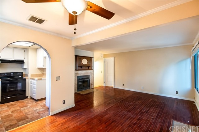 11300 Foothill Bl, Lakeview Terrace, CA 91342 Photo 3
