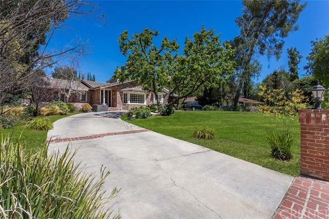 5460 Round Meadow Rd, Hidden Hills, CA 91302
