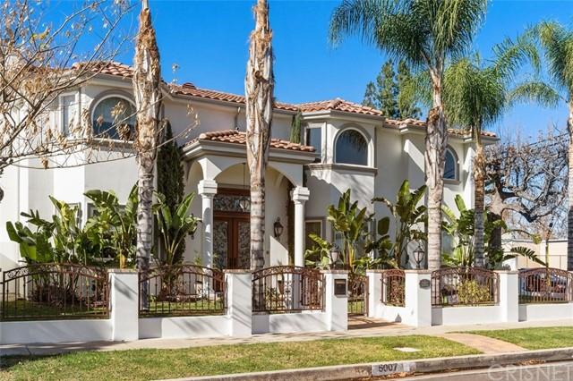 Photo of 5007 Garden Grove Avenue, Tarzana, CA 91356