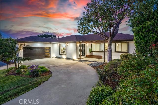 Photo of 23847 Crosson Drive, Woodland Hills, CA 91367