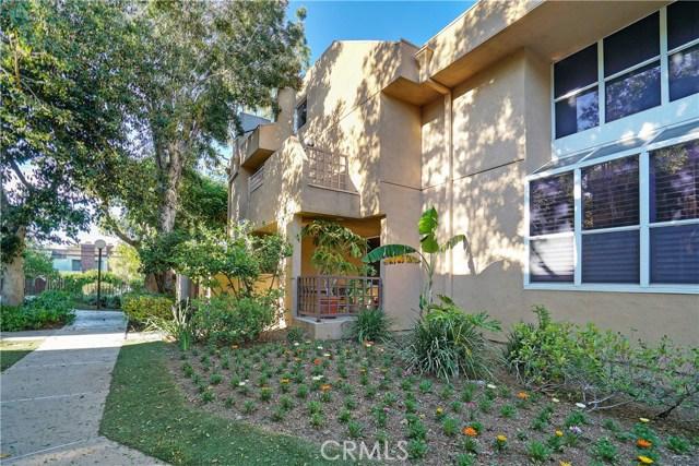 18730 Hatteras Street 6, Tarzana, CA 91356