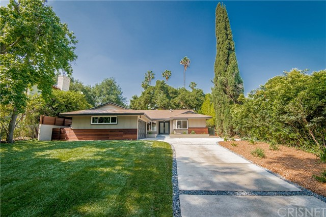 407 W Orange Grove Avenue, Sierra Madre, CA 91024