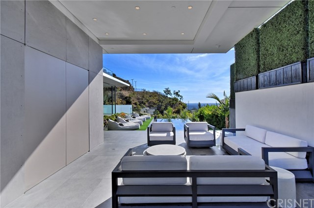 Image 18 of 1807 Blue Heights Dr, Los Angeles, CA 90069